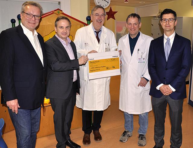CES Spende an UMM zur Krebsforschung